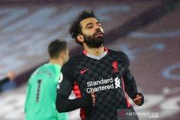 Mohamed Salah pungkasi paceklik gol demi kokoh memimpin top skor Liga Inggris