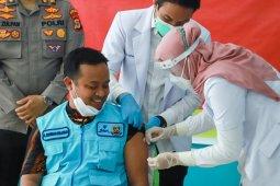 Upaya pemimpin Sulsel menyukseskan vaksinasi COVID-19