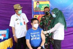 Pesisir Barat lakukan vaksinasi kepada 720 orang
