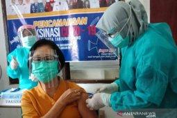 Kemenkes beber tahap awal vaksinasi lansia dan  pendaftarannya