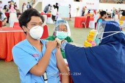 Unhas target vaksinasi 1.500 dokter residen dan co-ass