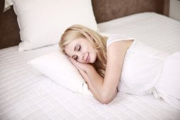 "Manfaat tidur cukup untuk kulit ""glowing"""