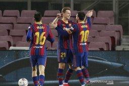 Liga Spanyol - Dua gol Messi bawa Barca kembali ke posisi ketiga