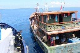KKP menertibkan tiga kapal pelanggar regulasi di Halmahera Tengah