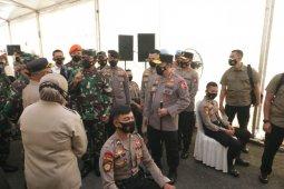 Kapolri dan Panglima TNI tinjau pelaksanaan  vaksinasi di Polda Kepri