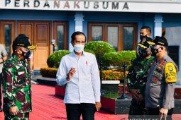 Presiden tinjau vaksinasi massal di Gianyar dan Denpasar