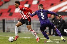 PSV amankan posisi kedua seusai cukur Heracles