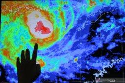 Mengenal siklon tropis Seroja di wilayah timur Indonesia
