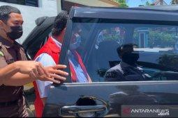 Terlibat pungli KIR Kadis Perhubungan Kota Batam ditahan Kejari