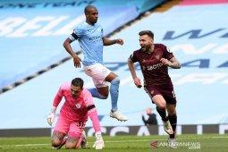 Liga Inggris - Manchester City dipecundangi 10 pemain Leeds