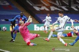 Chelsea kembali ke empat besar setelah menang besar di Palace