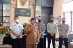 Warga ramai berdatangan ke kantor Gerindra, Ketua DPRD Pasaman Barat bantah berbuat mesum dengan stafnya