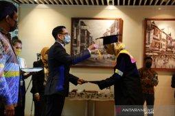25 pekerja Indonesia di Hong Kong raih gelar sarjana