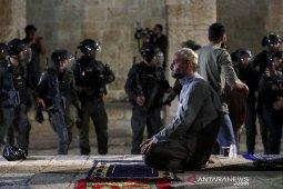 Saudi dan UAE kutuk Israel atas bentrokan di masjid Al-Aqsa