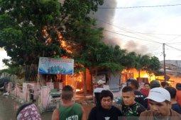 Pasar Simpong di Luwuk terbakar  jelang salat Idul Fitri