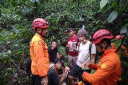 Guru dan murid yang tersesat di kawasan air terjun Sibolangit ditemukan