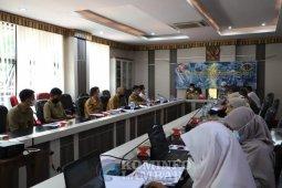 Bupati Lambar pimpin rapat sidang PPL bersamna BPN
