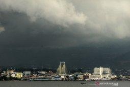 BMKG: Hujan lebat disertai petir berpotensi terjadi di beberapa daerah