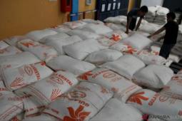 Bulog Sultra sebut stok gula tetap aman mencapai 100 ton