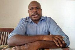 Penerima beasiswa Kemendikbud menjadi doktor pertama Suku Kamoro