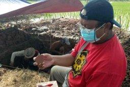 Fragmen gerabah ditemukan di situs Sambimaya Indramayu
