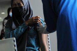 480 karyawan pasar modern di Bandarlampung jalani vaksinasi