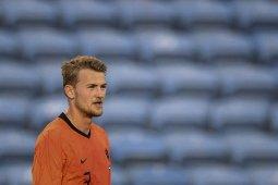 Belanda cemas Matthijs De Ligt cedera sebelum dijajal Georgia thumbnail