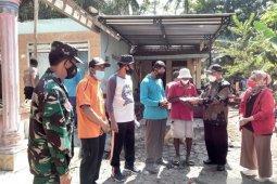 Bupati Kulon Progo serahkan bantuan kepada korban kebakaran Pasir Mendit