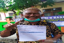 Lansia di Aceh jalani vaksinasi karena ingin sehat thumbnail