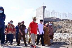 Plt Gubernur Sulsel tinjau pembangunan jembatan penghubung Sidrap-Wajo