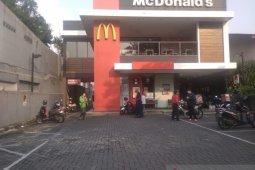 Kerumunan 'BTS Meal' sebabkan sejumlah gerai McDonald's disegel