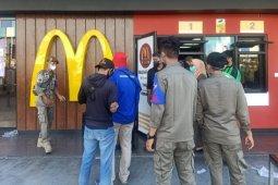 Satgas Raika COVID-19 Makassar panggil manajemen McDonald terkait kerumunan