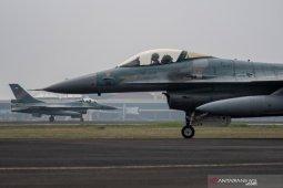 10 pesawat tempur TNI AU disiagakan untuk latihan