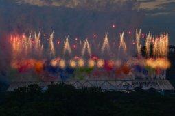 Meriah, pertunjukan kembang api dan balon warnai pembukaan Euro 2020