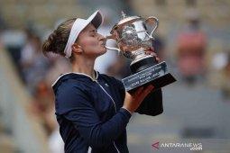 French Open 2021 - Krejcikova lengkapi gelar Roland Garros dengan menangi sektor tunggal