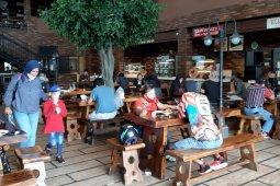 Tanjungpinang tutup kedai kopi yang beroperasi di atas pukul 22.00 WIB