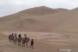 Kisah traveller di China, ada senandung bukit pasir Mingsha