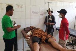 Diserang gajah liar, asisten pawang dilarikan ke rumah sakit thumbnail