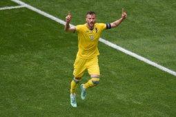 Giliran Yarmolenko campakkan botol minuman sponsor Euro 2020