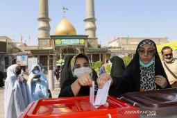 Hakim garis keras diperkirakan menangi Pemilu Iran