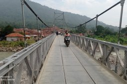 Jembatan gantung itu tumbuhkan ekonomi rakyat