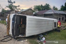 Dua penumpang tewas usai minibus terbalik di Aceh Timur thumbnail