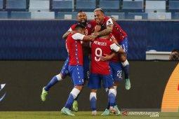 Chile puncaki klasemen Grup A usai menang atas Bolivia