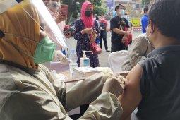 Pemkot Bandarlampung laksanakan vaksinasi COVID-19 serentak di 27 lokasi