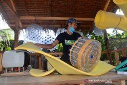 Produksi Sofa Berbahan Botol Plastik Bekas di Aceh thumbnail