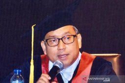 Prof. Santiago: Santet antara ada dan tiada