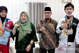 Pemkot Palu apresiasi dua pelajar berprestasi  di Kejurnas taekwondo