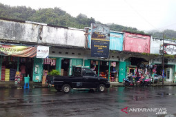 Bangunan pasar Trikora Tahuna segera dirombak