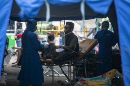 Gubernur DIY pastikan terus menambah kapasitas tempat tidur pasien COVID-19