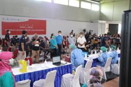 OJK menggelar vaksinasi massal pegawai sektor jasa keuangan di DIY